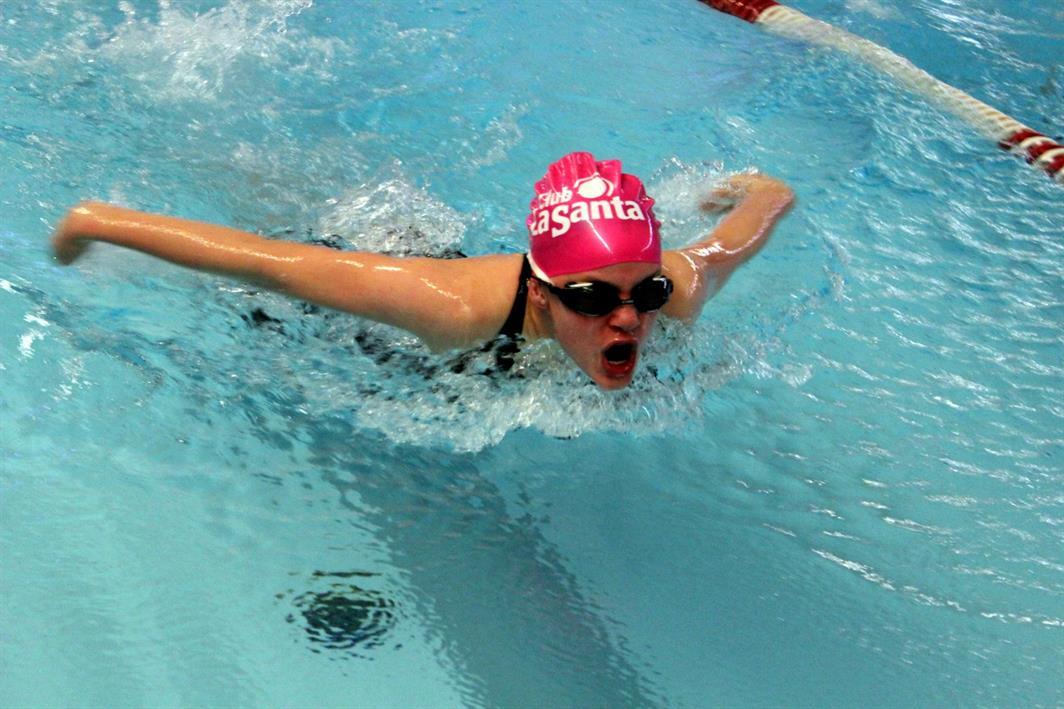 K svømmer butterfly